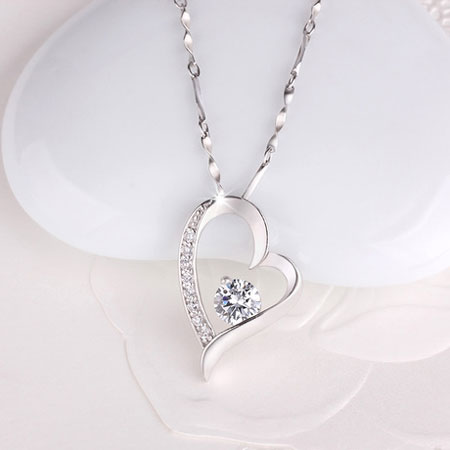 Sterling Silver Love Heart Necklaces with Diamond for Women - Click Image to Close
