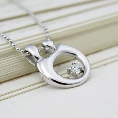 Loving Mother and Child Necklace for Mother's Day